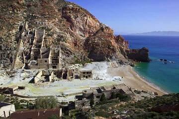 Milos Island (Greece) tour April 2012 - abandoned old sulfur mines (Photo: Tom Pfeiffer)
