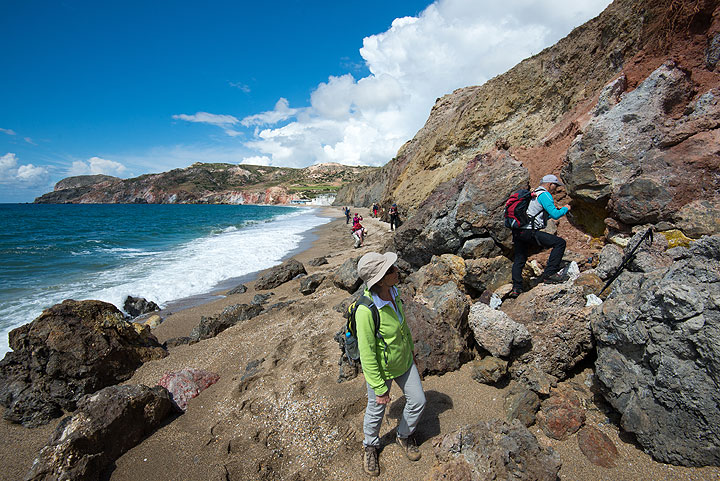"""Examining the contact between the """"green lahar"""" and the basement shists at Paleochori. (Photo: Tom Pfeiffer)"""