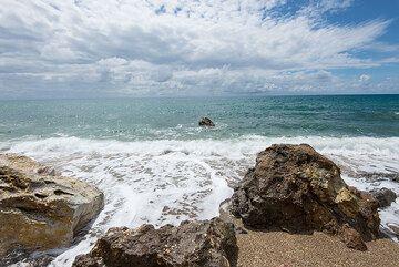 Paleochori beach (Photo: Tom Pfeiffer)