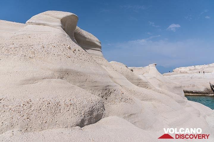 Wind and sea erosion shaped these rocks. (Photo: Tom Pfeiffer)