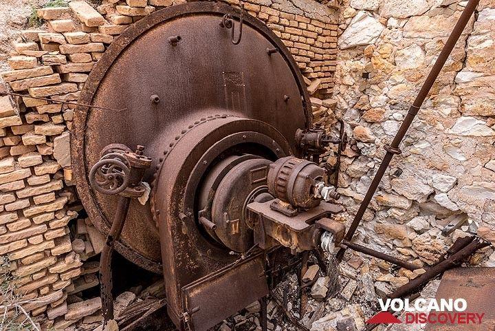 Door of the main oil-powered boiler. (Photo: Tom Pfeiffer)