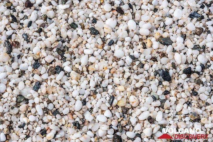 Coarse white sand close up. (Photo: Tom Pfeiffer)