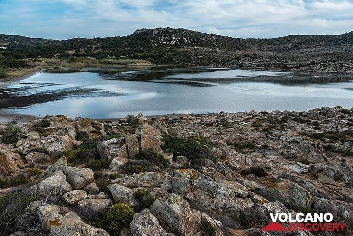 The protected Achivadolimni lake (Photo: Tom Pfeiffer)
