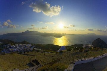 View over the Bay of Milos at sunset (Photo: Tom Pfeiffer)