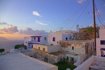 Houses of Plaka village (Photo: Tom Pfeiffer)