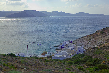 The little fishing village Fourkovouno. (Photo: Tom Pfeiffer)
