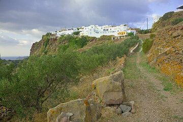 The way from Plaka to the Catacombes and the Greek ruins (Photo: Tom Pfeiffer)