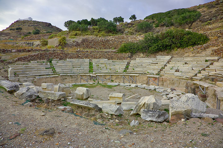 The Ancient Greek theatre (Photo: Tom Pfeiffer)