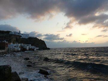 Mandraki´s seafront and Panagia Spiliani monastery after sunset (Photo: Ingrid Smet)