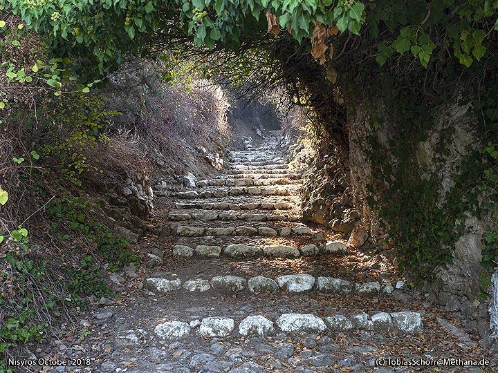 The path to the Dikteo mountain top. (Photo: Tobias Schorr)