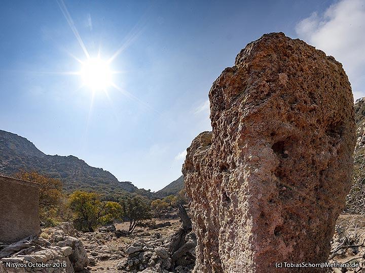 The old Minoan sanctuary. (Photo: Tobias Schorr)