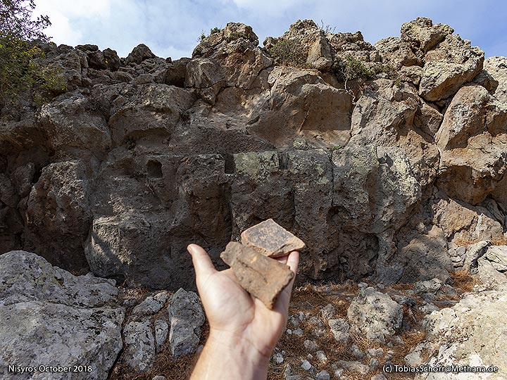 Ancient discoveries at the Nymphios. (Photo: Tobias Schorr)