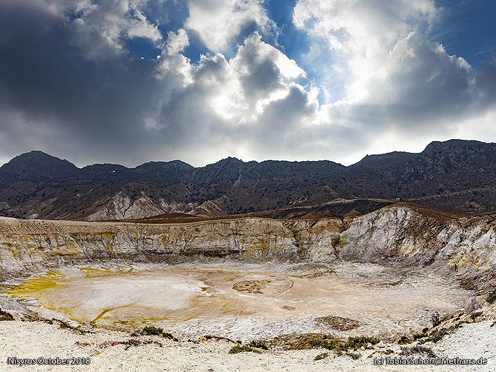 The hydrothermal explosion crater Stefanos. (Photo: Tobias Schorr)