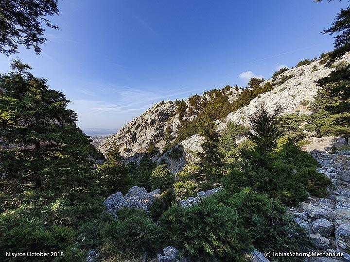 View from Palia Pyli to the sea. (Photo: Tobias Schorr)