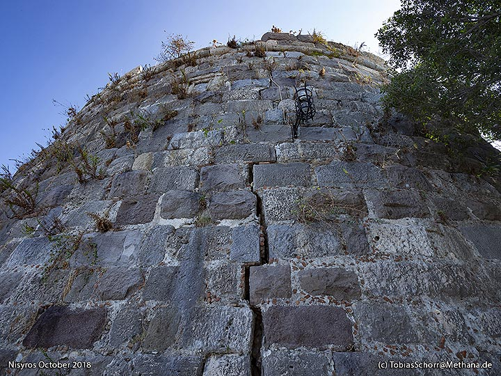 The fault line in the walls of the Venetian castle of Cos. (Photo: Tobias Schorr)