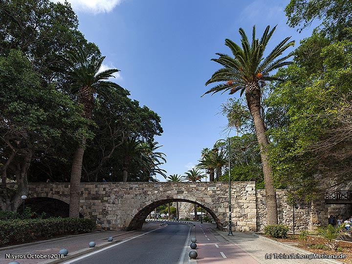 The little bridge of the Venetian castle of Cos. (Photo: Tobias Schorr)