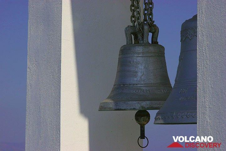 Chapel bell (Photo: Tom Pfeiffer)