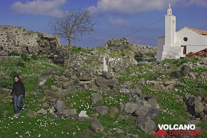 Ruins near the church of Emborio. (c)