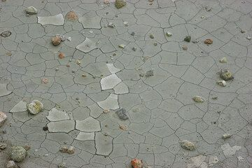 Mud cracks on the floor of one of the craters at Polyvotis (Nisyros Island, Greece) (Photo: Tom Pfeiffer)