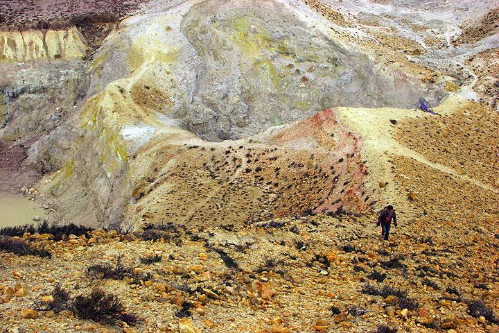 Climbing the peak of the Polyvotis lava dome. (c)