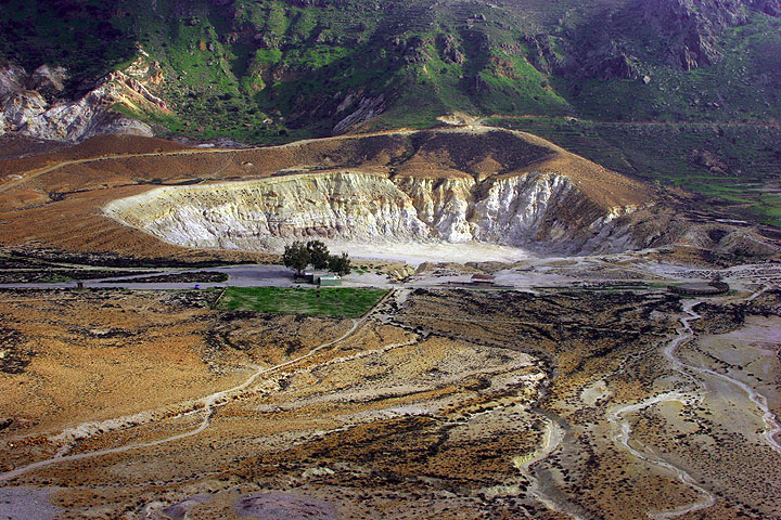 The Stefanos crater, Nisyros Island, in spring (Photo: Tom Pfeiffer)
