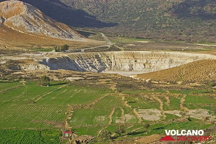 The Stefanos crater at the floor of the caldera. (c)