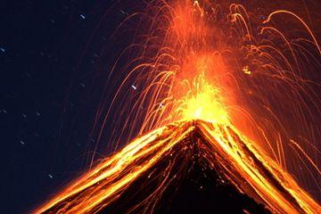 Powerful strombolian eruption at Fuego volcano, Guatemala (Photo: Yashmin Chebli)