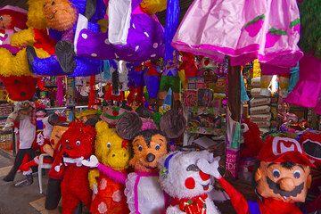 Colorful toys (Photo: Tom Pfeiffer)