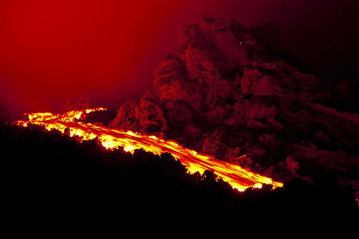 Lava flow at Pacaya volcano (Photo: Tom Pfeiffer)