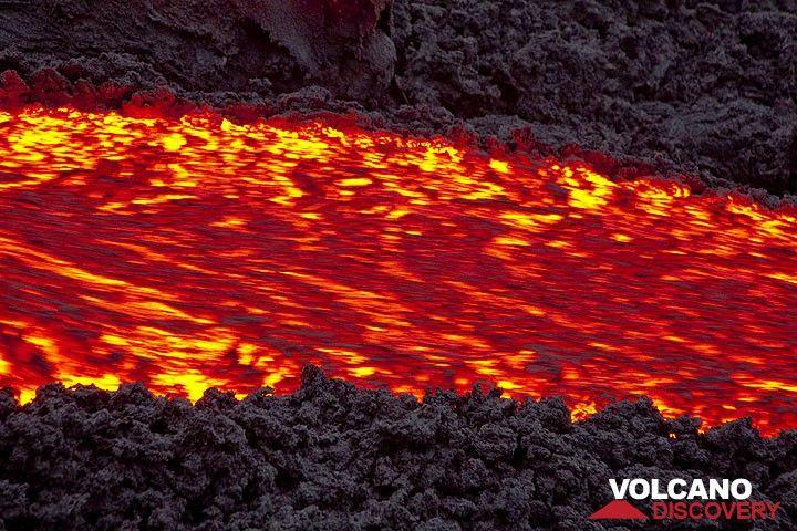 Zoom auf den Lavastrom (Photo: Tom Pfeiffer)