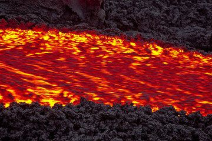 Zoom onto the lava flow at Pacaya volcano (Guatemala) in 2010 (Photo: Tom Pfeiffer)