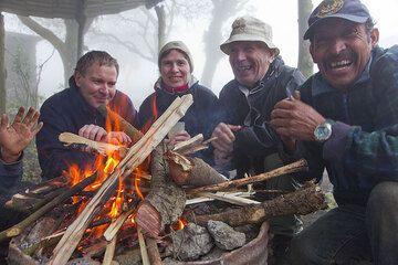 Campfire (Photo: Tom Pfeiffer)