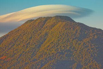 La Cumbre del Volcn de San Pedro, al estilo de Luz de madrugada (Photo: Tom Pfeiffer)