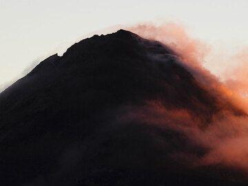 Le sommet fumant du Fuego (Photo: Tom Pfeiffer)