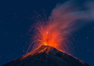 Medium-sized strombolian explosion at Fuego. (Photo: Tom Pfeiffer)