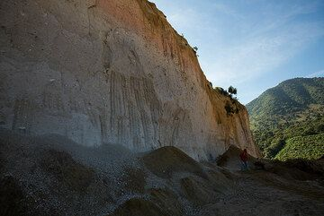 Large ash and pumice deposits cover much of Guatemala's volcanic chain, witness of many violent explosive volcanic eruptions in the (geologically) recent past. (Photo: Tom Pfeiffer)