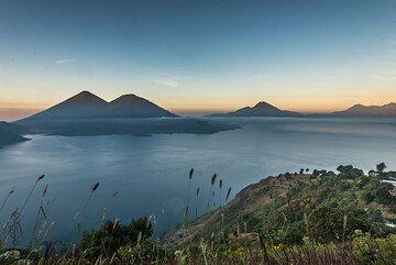 Atitlán/Toliman and San Pedro volcanoes at sunrise. (Photo: Tom Pfeiffer)