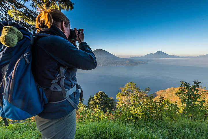 Enjoying the view over the Atitlán caldera. Prof. Dr. S.C.H. Nappi is present, too... (Photo: Tom Pfeiffer)
