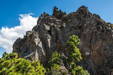 Part of the 1818 lava dome. (Photo: Tom Pfeiffer)