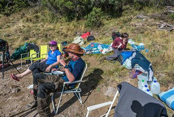 We finally arrive at our comfortable camp site on Santa Maria ad enjoy an afternoon rest. (Photo: Tom Pfeiffer)