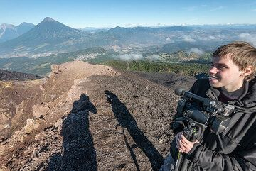 Steven and his film camera after a long morning session on the crater rim. (Photo: Tom Pfeiffer)
