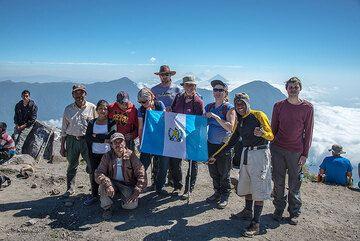 Group photo on the summit of Santa Maria (Photo: Tom Pfeiffer)