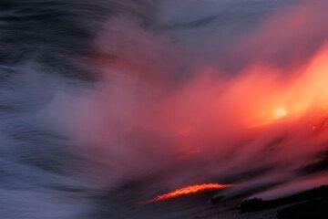 Lava flowing into the sea at Kilauea volcano, Hawai'i (Photo: Tom Pfeiffer)
