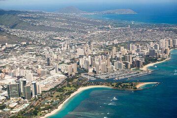 View towards Waikiki beach... (Photo: Tom Pfeiffer)