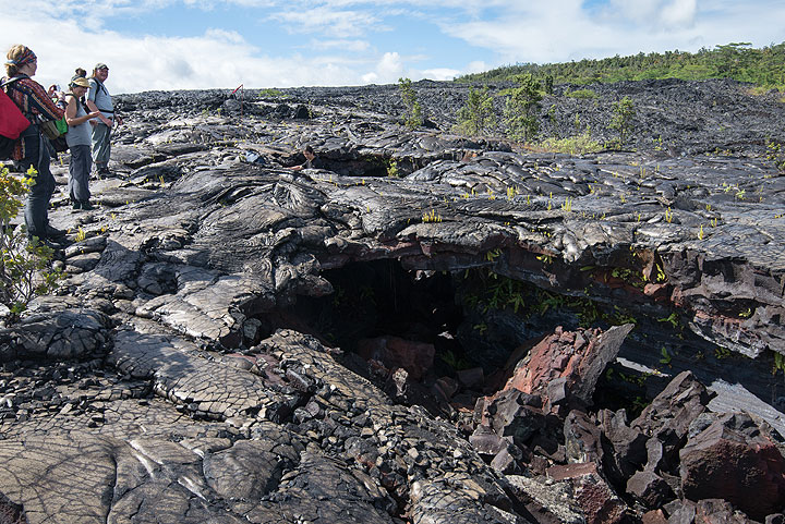 A collapsed part of a small lava tube during the 1990 lava flows near Kalapana. (Photo: Tom Pfeiffer)