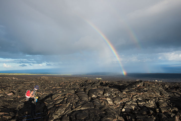 Rainbow over the vast lava flow field. (Photo: Tom Pfeiffer)