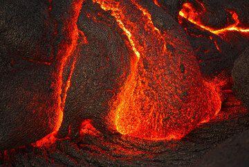 Lava toe at night. (Photo: Tom Pfeiffer)