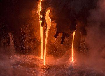 Lava hoses close up (Photo: Tom Pfeiffer)