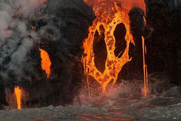 Fiery heart (Photo: Tom Pfeiffer)