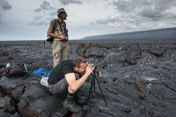 Martin and Marc photographing and filming lava flows. (Photo: Tom Pfeiffer)